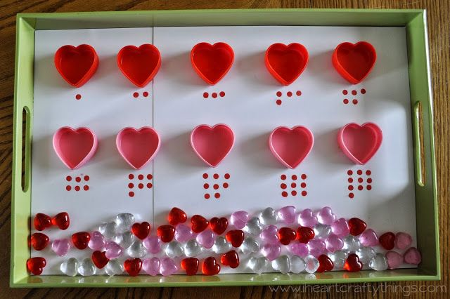 Valentines Counting Tray - pinned by @PediaStaff – Please Visit ht.ly/63sNtfor all our pediatric therapy pins