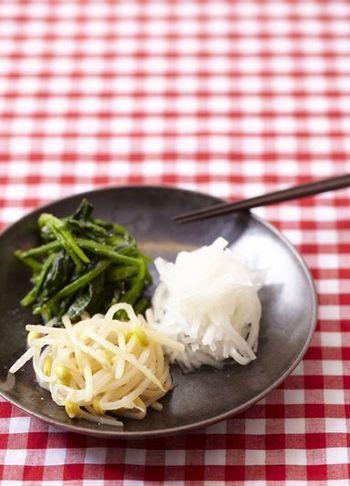 ほうれん草、もやし、大根を使ったレシピをご紹介していますが、小松菜やきゅうり、にんじんでアレンジしても美味しいですよ。あとは、意外かもしれませんが、千切りにしたカボチャもおすすめです!