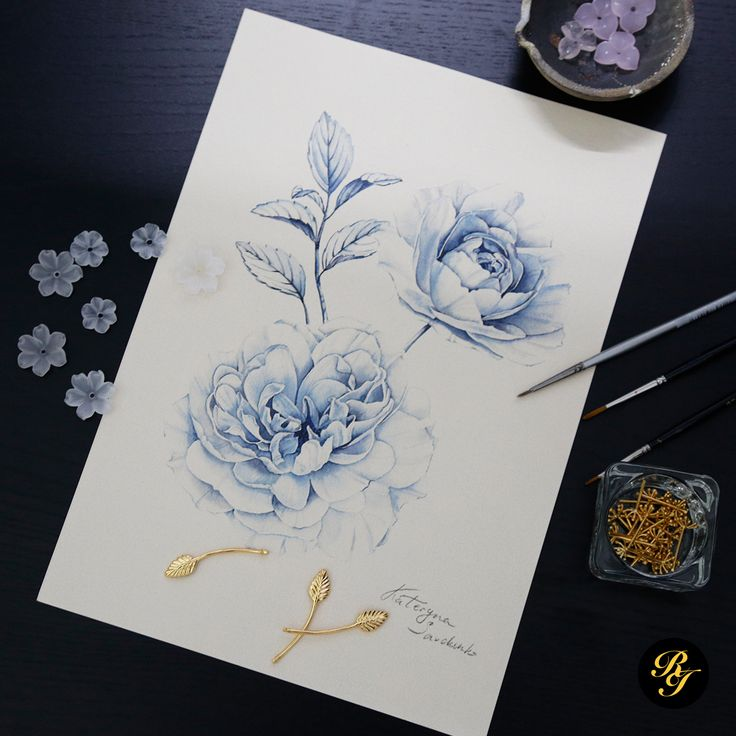 Our craftsman selects the perfect semi precious stones flowers to match the pale blue shades of the Rose frame.  The Rose photo frame is available exclusively on our e-shop. Visit the link in our bio.  #royalinsignia #luxury #luxliving #home #homedecor #decor #flora #nature #artist #asia #royal #watercolour #prestige #design #living #interior #chinoiserie #shopping #interiordesign #homeinterior
