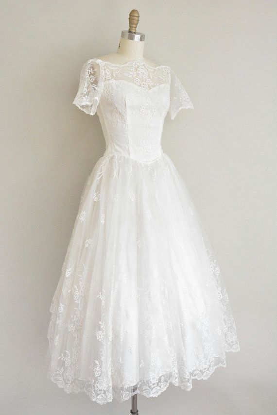 vintage 1950s embroidered lace wedding dress by simplicityisbliss