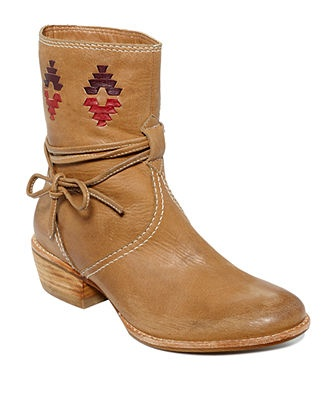 Bindi Western Booties: Booty Web, Booty Features, Westerns Booty, Shoes Online, Junior Shoes, Intricate Westerns, Westerns Design, Kensi Booty, Bindi Westerns