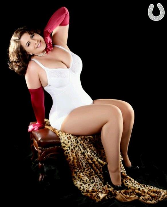 Curvy plus size model London Andrews in white lingerie ...