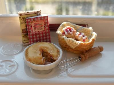 ...: Miniatures Food, Miniatures Forever, Apples Pies, Cottages Miniatures, Dollhouse Minitur, Dollhouse Fun, Heart Miniatures, Miniatures Apples, Dollhouse Miniatures