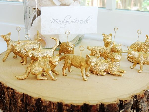 When your cat can't be in the wedding, the next best thing is to have these must-have cat lover details!