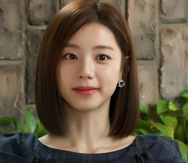 Actress Park Soo Jin Discusses Her Upcoming Marriage with Bae Yong Joon | Koogle TV