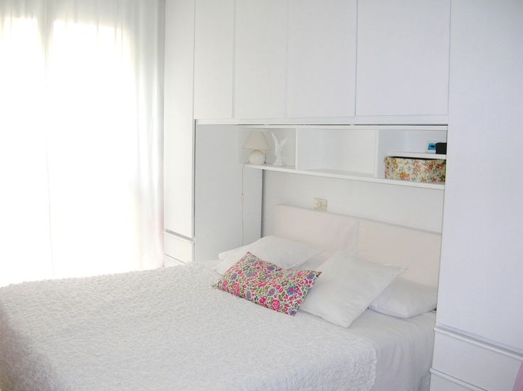 Oltre 25 fantastiche idee su rinnovare la camera da letto for Mobili camera ragazza