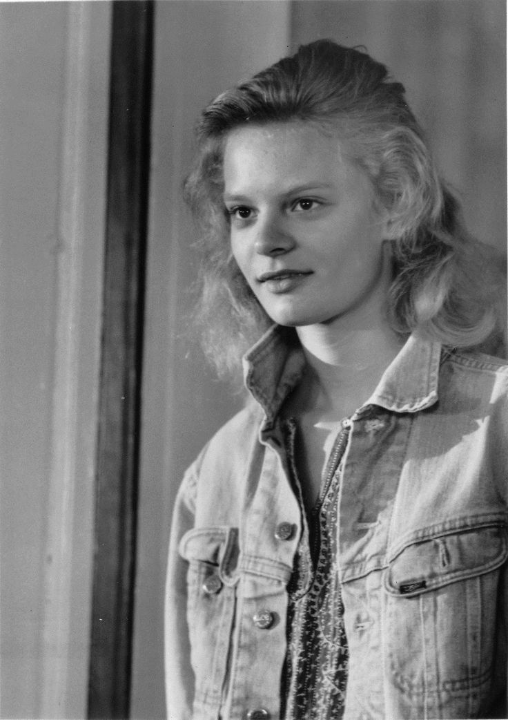Martha Plimpton promo shot for Running on Empty ...