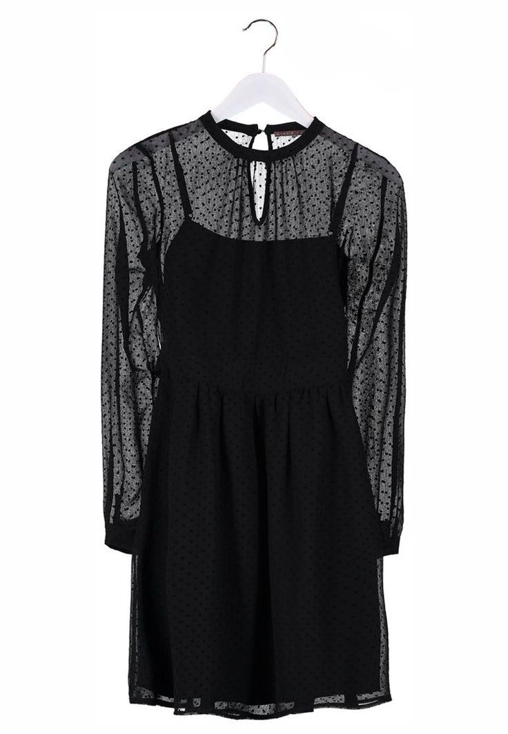 Vestido negro con encaje de Mint&Berry http://stylabel.com/product/mint-berry-vestido-camisero-negro/2945422