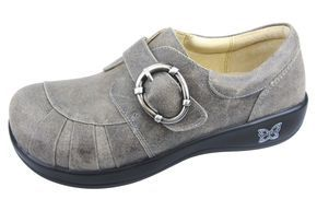 Alegria Shoes - Khloe Drifted Professional Nursing Shoe, $129.95 (http://www.alegriashoes.com/products/khloe-drifted-professional-nursing-shoe.html)