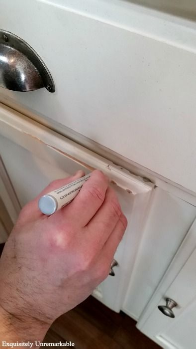 How To Touch Up Chipped Cabinets With A Paint Pen | Paint ...