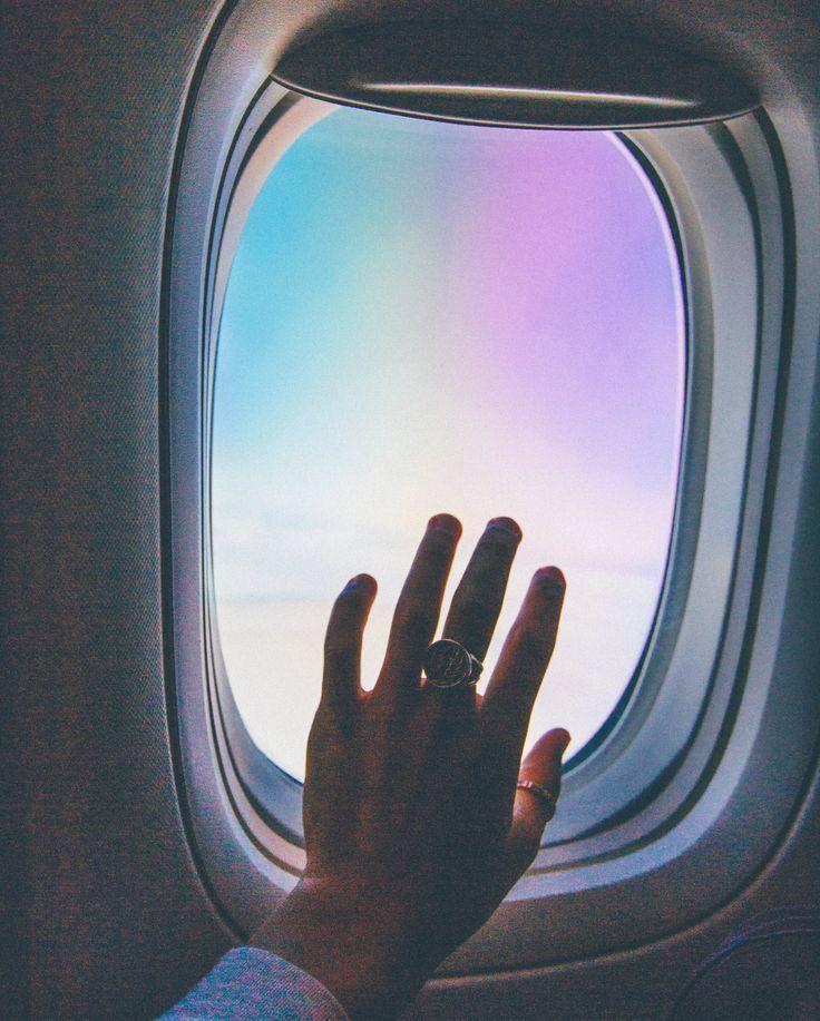 http://www.captainscamera.com  Adam Bartoshesky Photo CAPTAIN'S CAMERA CAPTAIN BARTO airplane window hand vibe flying sky