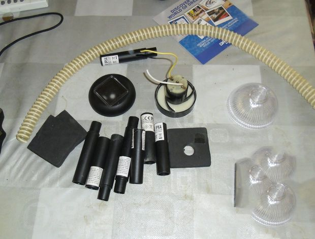 Picture of Diy vacuum for dremel workstation