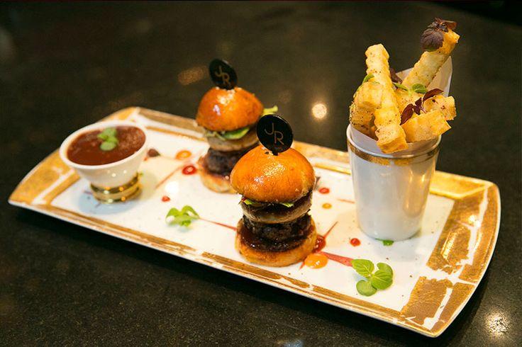 Burger au foie gras et sa sauce aux aromates