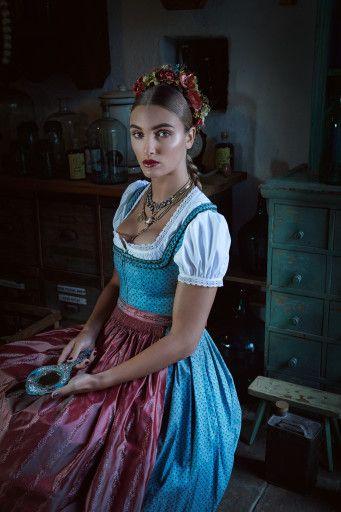 Lena Hoschek - FINI DIRNDL<br/> AUSSEE DIRNDLBLUSE