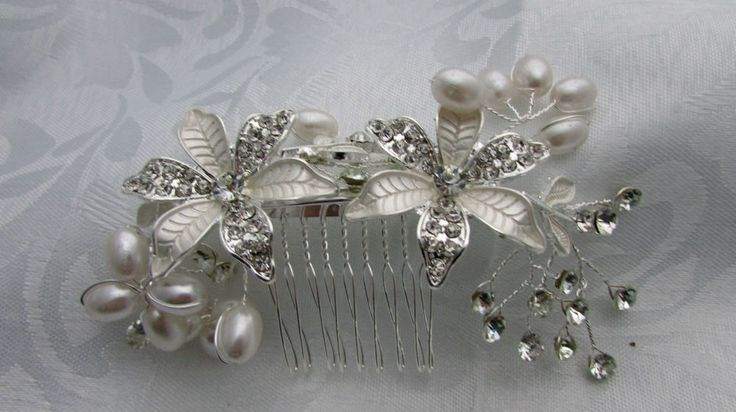 Libby Bea Wedding Collection Pearl and Floral Haircomb