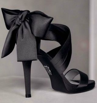 .: Vera Wang, Wedding Shoes, Black Bows, Satin Bows, Black Shoes, Bridesmaid Shoes, Black Heels, High Heels, Black Satin