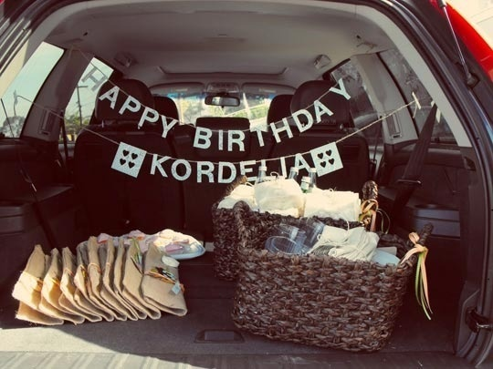 Portable Fun: Out-of-the-House Kids' Parties  - a FANTASTIC list of fun party ideas