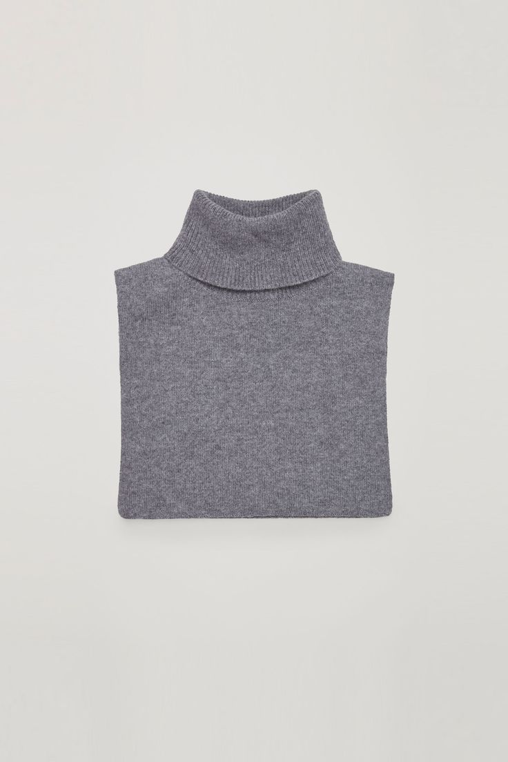COS | Roll-neck cashmere collar