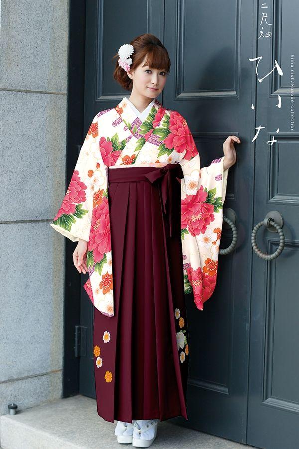 古典柄袴 クリーム色 古典系袴 Style 卒業式の袴Styleは女の子の特別な1日!友達と差をつける!!