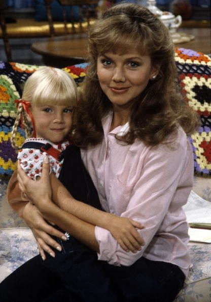 """Heather O'Rourke and Linda Purl in """"Happy Days"""""""