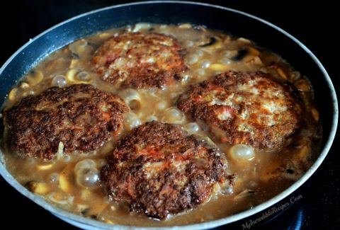 Southern Hamburger Steaks with Onion Mushroom Gravy! – Incredible Recipes From Heaven
