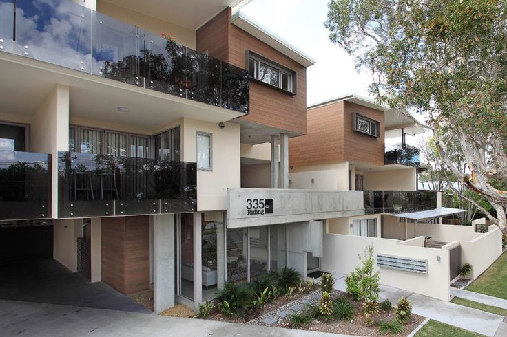 Apartment block in sunny Queensland uses Designer Series Woodgrain Teak and as award-winning builder, Planet Homes quoted - the cladding provides the look of real timber but with the longevity & low-maintenance qualities of fibre cement.