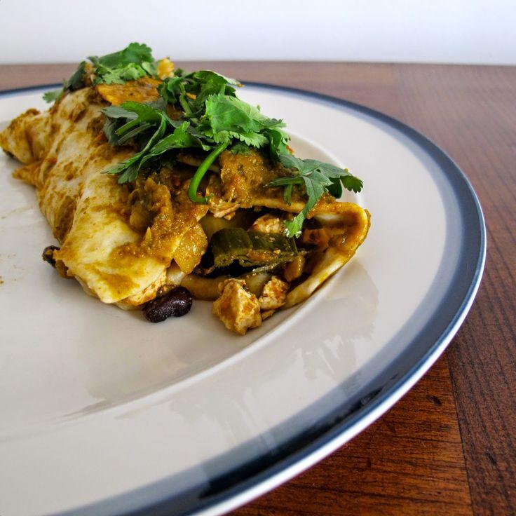 Cozinhar sem lactose: Enchiladas de tofu e feijão com molho de tomate