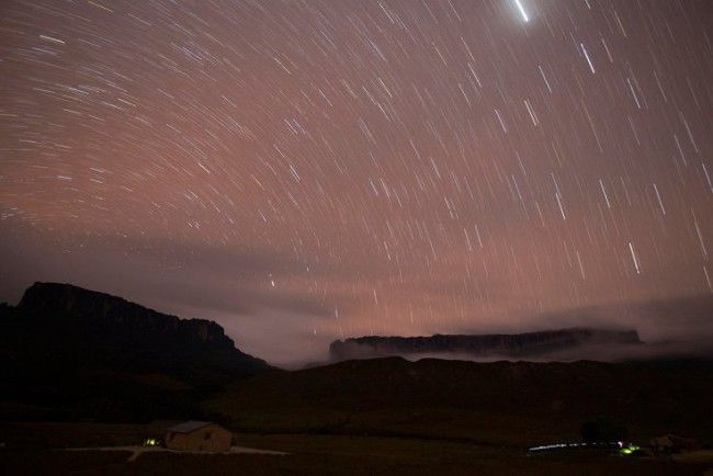 В Японии начнут продавать «падающие звезды» из искусственных метеоров - http://russiatoday.eu/v-yaponii-nachnut-prodavat-padayushhie-zvezdy-iz-iskusstvennyh-meteorov/          «Падающие звезды», которые появляются в небе по требованию наблюдателя, могут стать следующим большим событием для любителей космо�