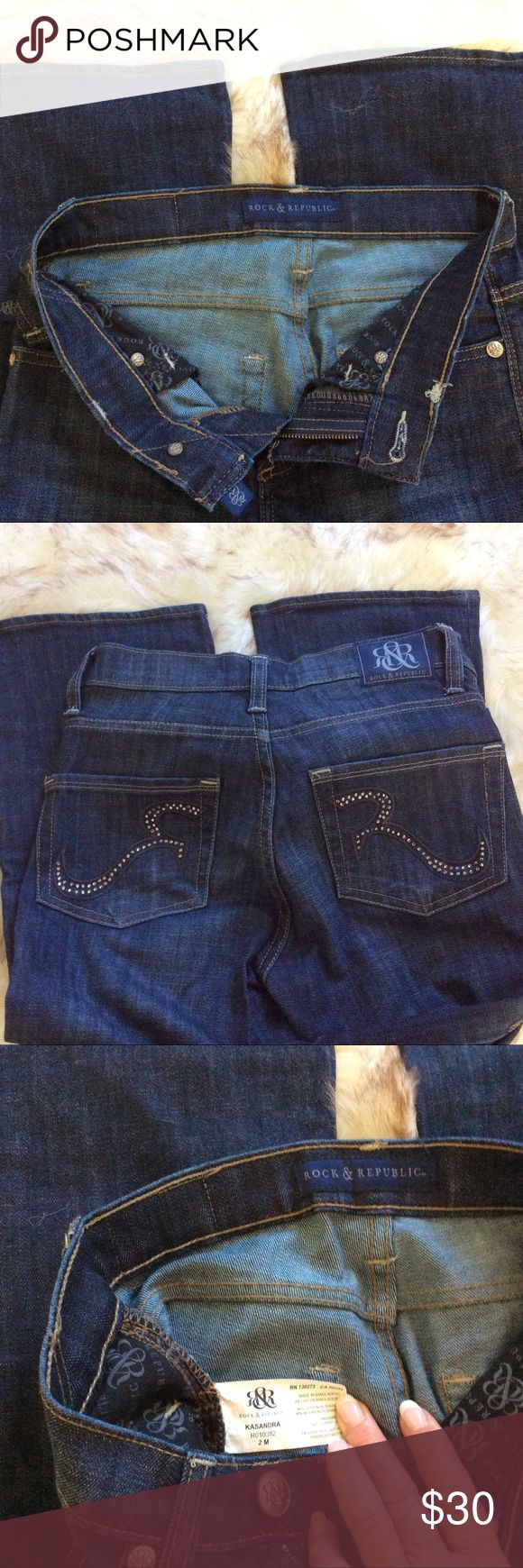 """ROCK & REPUBLIC """"KASANDRA"""" BOOT CUT JEANS SIZE 2M ROCK & REPUBLIC """"KASANDRA""""  JEANS SIZE 2M..INSEAM IS 33"""".  THEY ARE BOOT CUT..SORRY NO TRADES. Rock & Republic Jeans Boot Cut"""