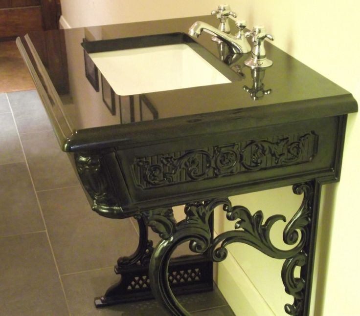 victoriaans stijl, klassiek urinoir