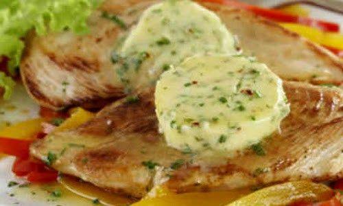 Filé de Frango Grelhado com Manteiga: Uma delícia! Veja ⬇⬇⬇ http://goo.gl/OmldvG