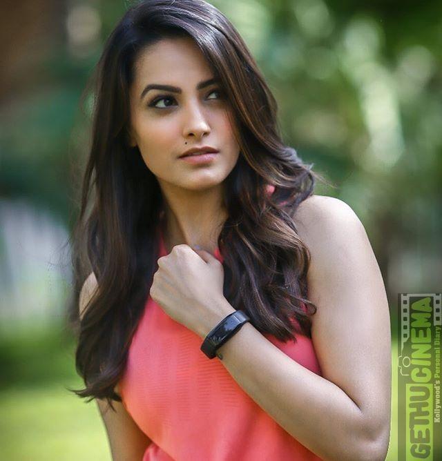 Naagini 3 Actress Anita Hassanandani 2018 Instagram Cute Hd Pictures Gethu Cinema Beauty Full Girl Beauty Girl Most Beautiful Indian Actress