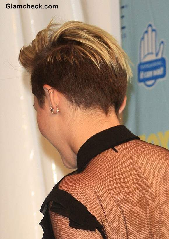 Miley Cyrus Sports Pixie Hairstyle At 2013 Teen Choice