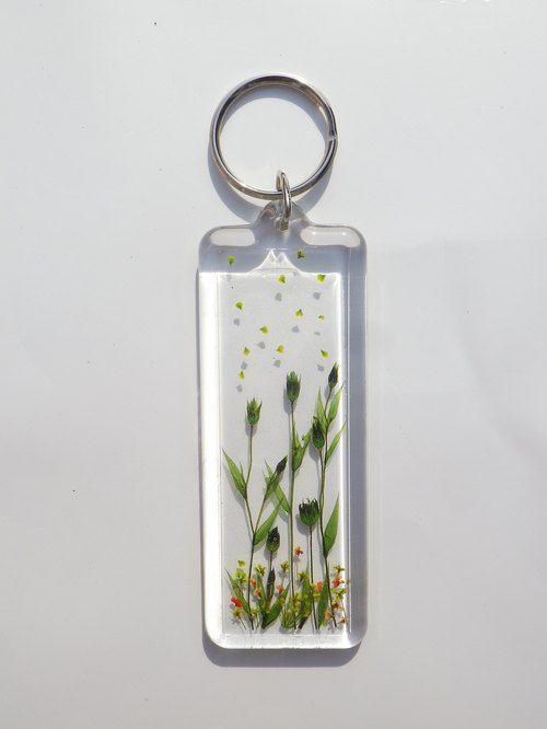 Annys workshop, Handmade keychain, Pressed flowers keychain, hard plastic keychain, My Flowers keychain (2)
