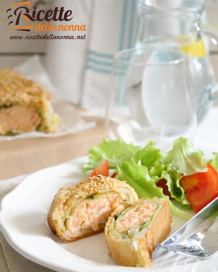 Salmone in sfoglia  http://ift.tt/22bzp1K #salmone #torterustiche #tortesalate #secondipiatti #pastasfoglia #vsco #foodstyle #food #cooking #foodstagram #follow #followme #instagood #instalike #instadaily #recipe #italianrecipe #italianfood #ricettedellanonna #love #happy #italy #passione #fotooftheday #foodblogger #chef #beautiful #foodgasm #foodporn #vscofood