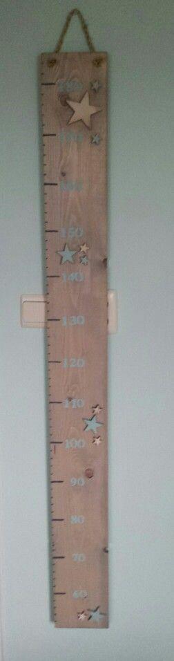 Meetlat - grow chart wood made by Rachel