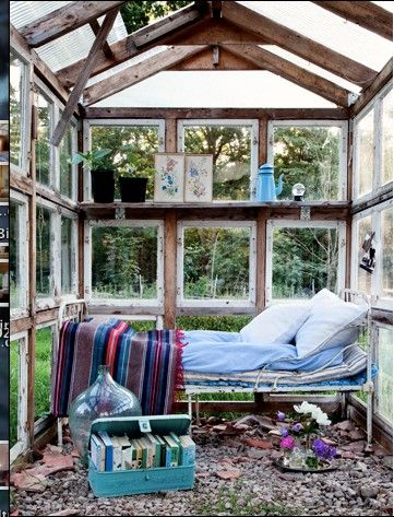 Växthus med day bedGuestroom, Guest Room, Sunday Brunch, Under The Stars, Dreams, Outdoor Living, Greenhouses, Green House, Glasses House