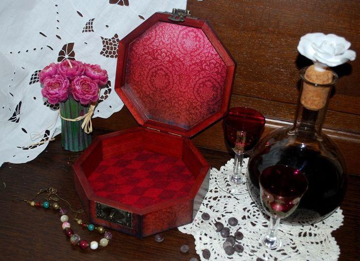 """Купить """"Красная королева"""" шкатулка - бордовый, пион, шкатулка, шкатулка для украшений, подарок, красный"""