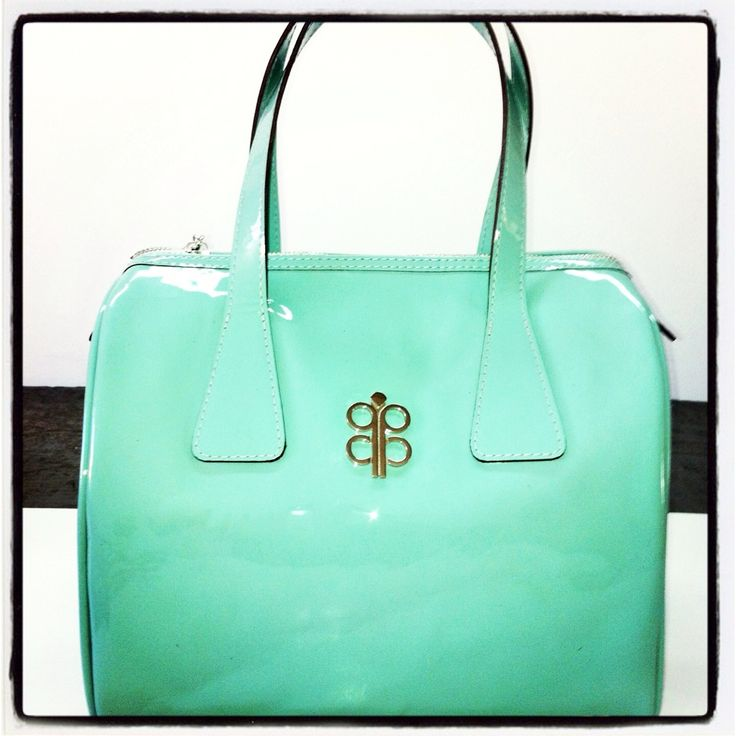 #IsabellaLatouche New Collection #Mint #Leather