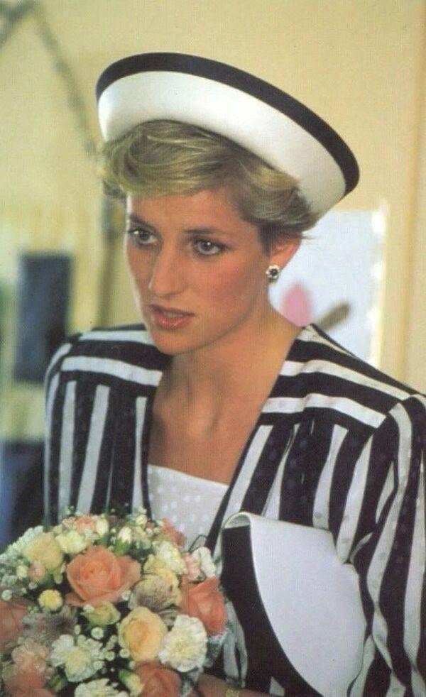 November 16, 1986: Prince Charles & Princess Diana start official tour of Bahrain