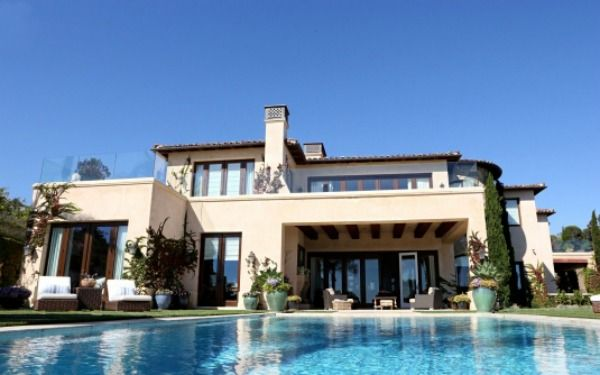 Real Housewife Yolanda Foster's home...