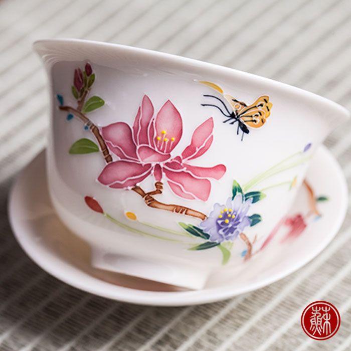 とても上質な玉瓷の美しい蓋碗です。美しい茶の花や蝶々が描かれています。茶杯 中国茶器 茶碗 湯飲み 湯のみ高級 蓋碗 煎茶道具 宝瓶 急須 茶器 としても使える:蘇茶オンライン
