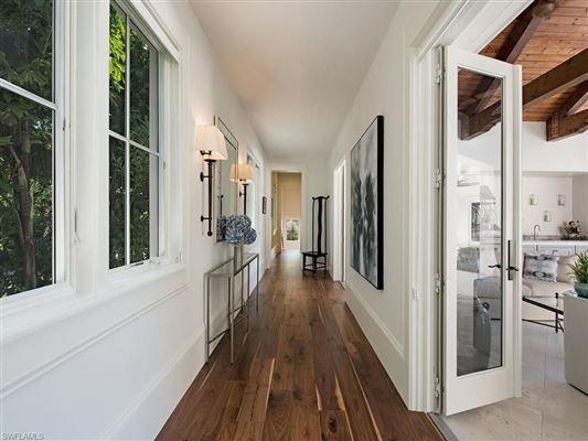STUNNING ESTATE STEPS FROM NAPLES BEACH | Florida Luxury Homes | Mansions For Sale | Luxury Portfolio
