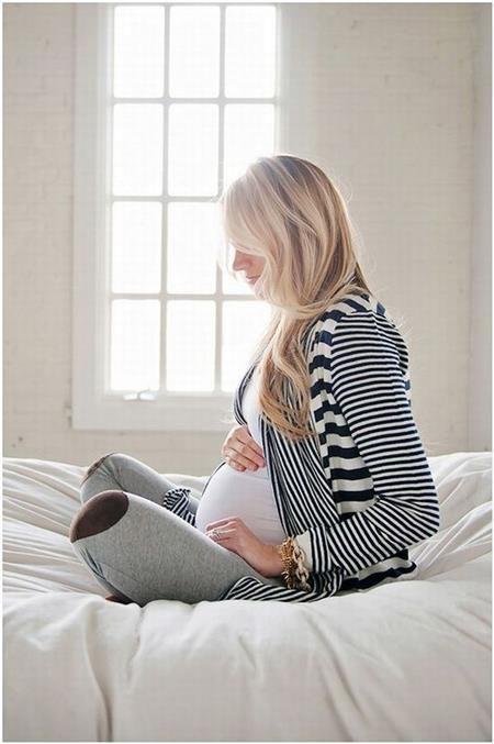Εγκυμοσύνη: Ποια είναι η ιδανική στάση ύπνου;