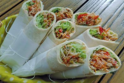 Salade wraps met een royale Thaise vulling