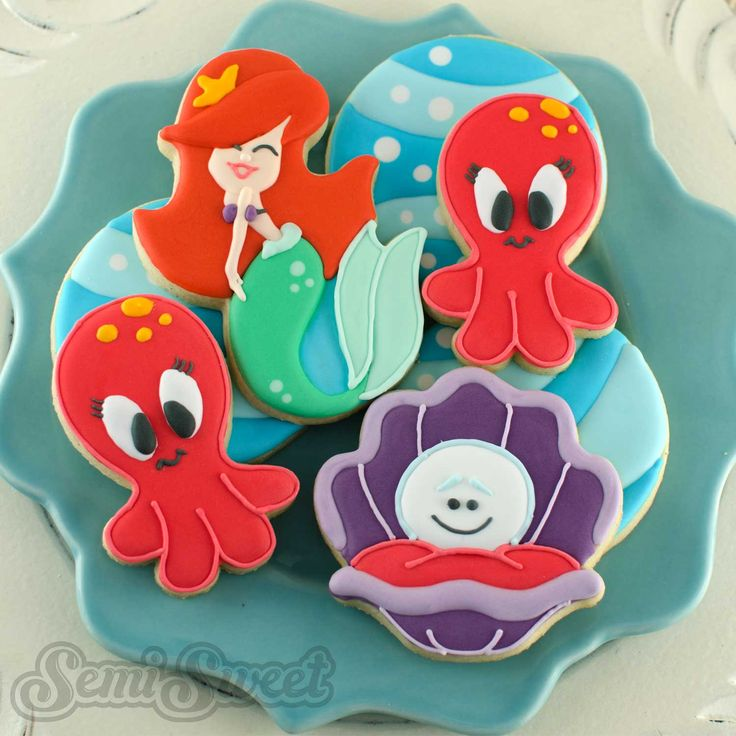 Mermaid cookies and Under the Sea friends by Semi Sweet Designs | Free tutorial on how to create the mermaid cookie & where to purchase the custom cookie cutter!