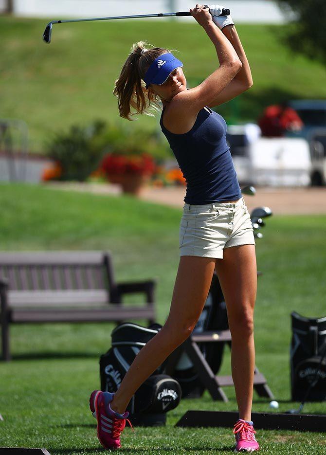 Daniela Hantuchova hey girl, go play some tennis :P