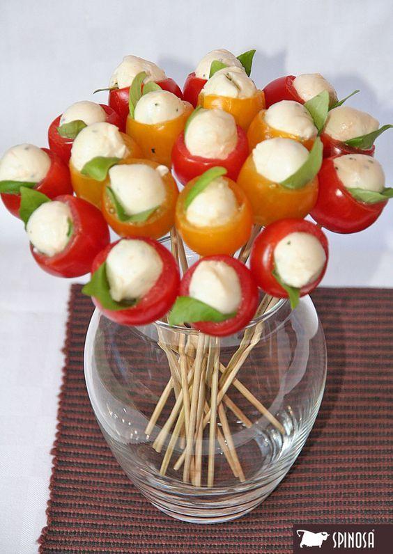 A San Valentino, prendetela per la gola... ma non dimenticate i fiori! #mozzarella #mangiaresano #fiori #sanvalentino