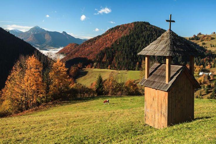 Jeseň na Havranej (Zázrivá) so Stohom, Malým a Veľkým Rozsutcom v pozadí | Aktuality.sk