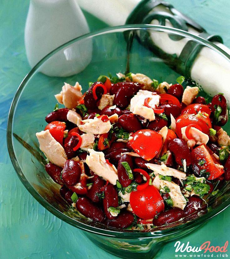 Острый салат из фасоли с тунцом